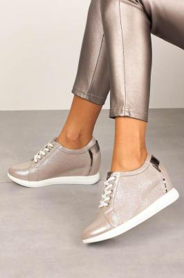 Półbuty Sergio Leone sneakersy sznurowane na ukrytym koturnie błyszczące beżowe SP235