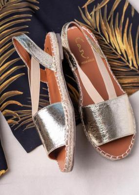 Złote sandały espadryle błyszczące płaskie z gumką