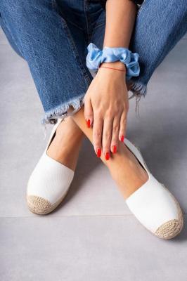 Białe półbuty espadryle jeansowe z wycięciem