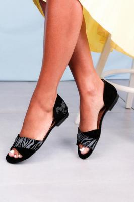 Czarne sandały Maciejka skórzane z zakrytą piętą paski na krzyż zebra 3615A-01/00-5