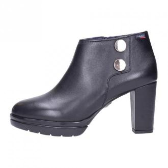 23703 ANKLE BOOTS