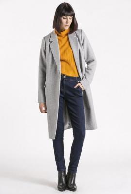 Wełniany, klasyczny płaszcz