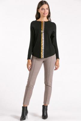 Sweter z cekinową aplikacja