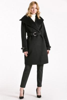 Wełniany płaszcz z klamrami
