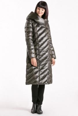 Długi pikowany płaszcz z połyskiem