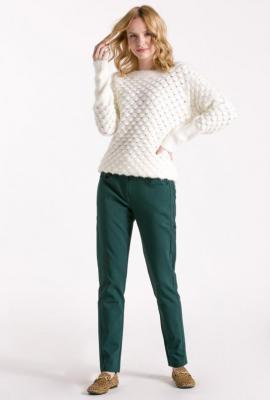 Sweter w subtelny wzór