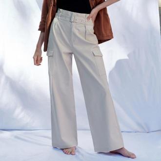 Sinsay - Spodnie paperbag z kieszeniami cargo - Kremowy