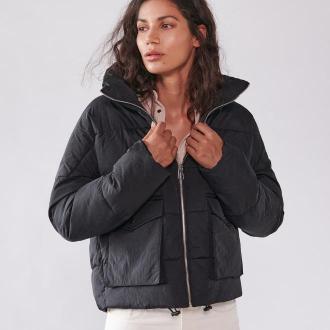 Sinsay - Pikowana kurtka z wysoką stójką - Czarny