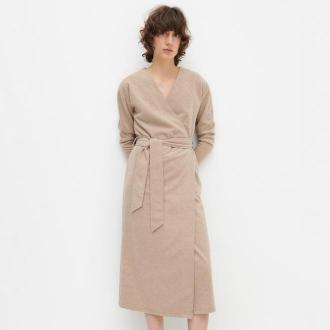 Reserved - Kopertowa sukienka z melanżowej dzianiny - Beżowy