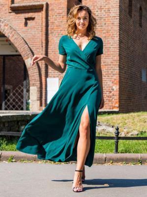Sukienka long z kopertowym dekoltem FIOMENA butelkowa zieleń