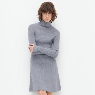 Reserved - Dzianinowa sukienka z golfem - Szary