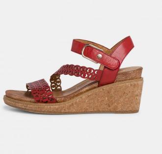 Tamaris czerwony skórzane buty na koturnie - 36