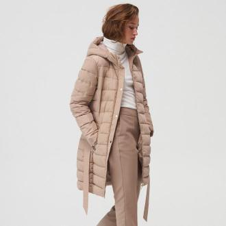 Mohito - Pikowany płaszcz z paskiem - Beżowy