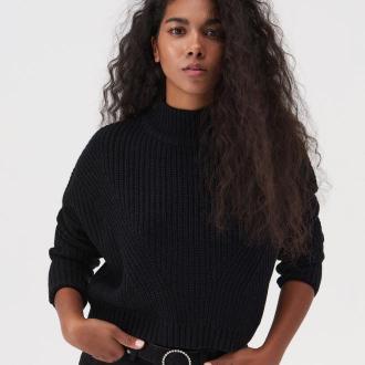 Sinsay - Krótki sweter ze stójką - Czarny