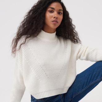 Sinsay - Krótki sweter ze stójką - Kremowy