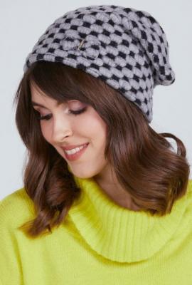 Wzorzysta czapka damska