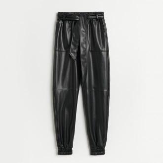 Reserved - Spodnie jogger ze sztucznej skóry - Czarny