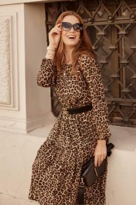 Jesienna sukienka oversize w panterkę beżowa 30771