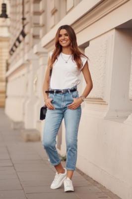 Modne spodnie jeansowe Mom fit 9611