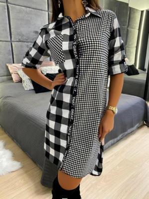 Czarna Koszulowa Sukienka w Kratę 5175-70-A