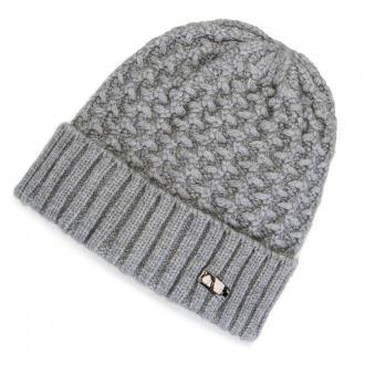 Damska czapka o grubym splocie