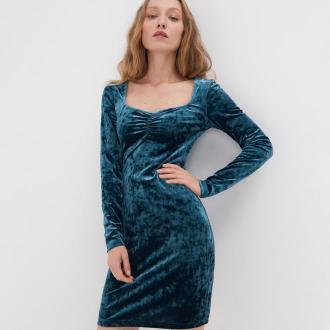 Sinsay - Aksamitna sukienka z ozdobnym dekoltem - Zielony