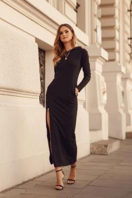 Maxi sukienka sportowa z kapturem czarna FK552