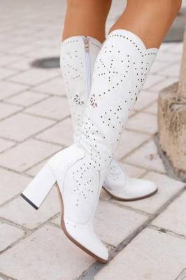 Białe ażurowe kozaki Tamara