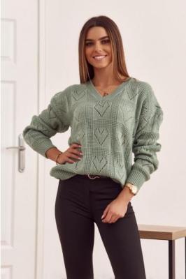 Sweter damski w ażurowe serduszka oliwkowy 321935