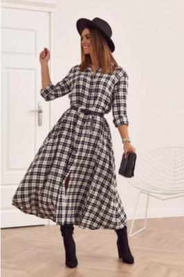 Długa sukienka w kratkę zapinana na guziki biała 31636