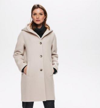 Wełniany płaszcz z kapturem