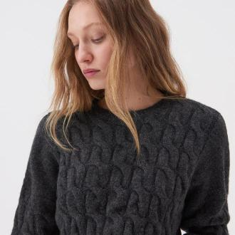 Sinsay - Krótki sweter z warkoczowym splotem - Szary