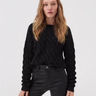 Sinsay - Krótki sweter z warkoczowym splotem - Czarny