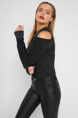 Sweter cold shoulder