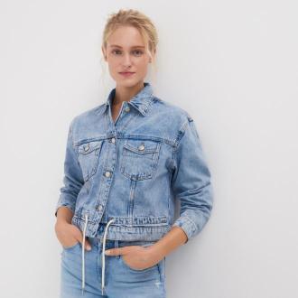 Sinsay - Kurtka jeansowa z efektem sprania - Niebieski