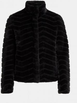 Czarna kurtka wykonana ze sztucznego futra VILA Aliba - XS