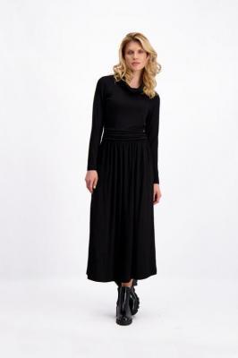 Czarna sukienka dzianinowa midi Ami 84907
