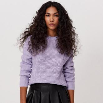 Cropp - Sweter o drobnym splocie - Fioletowy