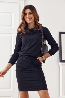 Sukienka z golfem czarna 4012