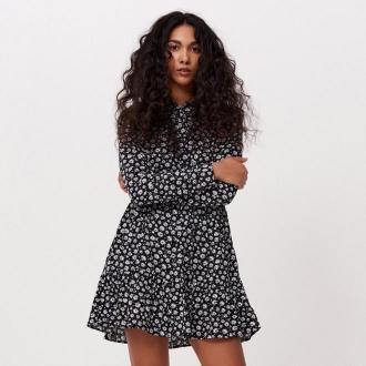 Cropp - Koszulowa sukienka w kwiaty - Czarny