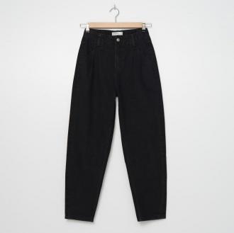 House - Mom jeans z efektem sprania - Czarny