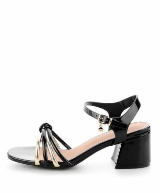 Czarne lakierowane sandały na słupku TERNI