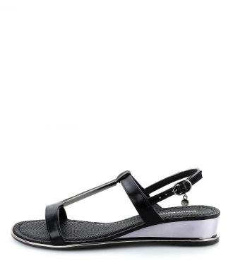 Czarne sandały na koturnie ze srebrnymi elementami LANUVIO