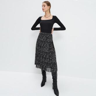 Mohito - Plisowana spódnica w kwiaty - Czarny