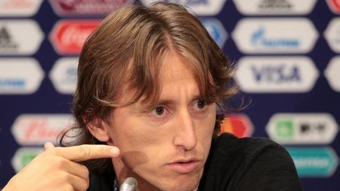 Luka Modrić pojawił się na konferencji prasowej reprezentacji Chorwacji (fot. AFP)