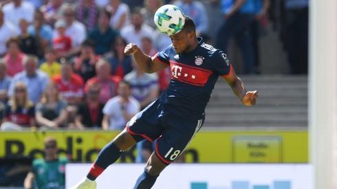 Niespełna 18-letni Franck Evina gra dziś w podstawowej jedenastce Bayernu