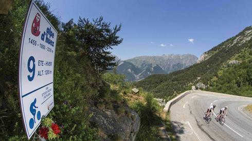 Ujęcie z trasy wspomnianego podjazdu na Alpe d'Huez (fot. Le Tour)