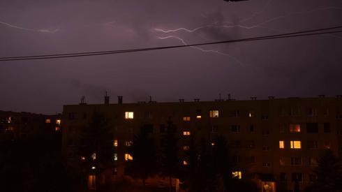 Burza w Pleszewie, zaobserwowana przez czytelniczkę Onetu (fot. Patrycja Wygralak)