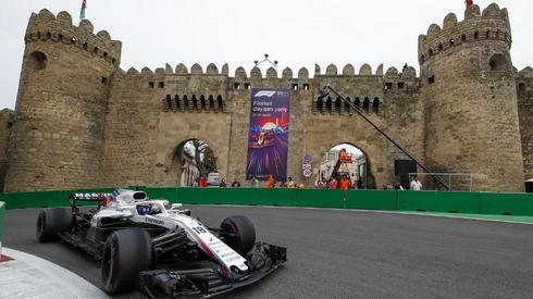 Lance Stroll z Williamsa na torze w Baku