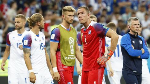 Islandczycy wczoraj pożegnali się z mundialem, ale do domów mogą wracać z podniesionymi głowami (fot. PAP/EPA)